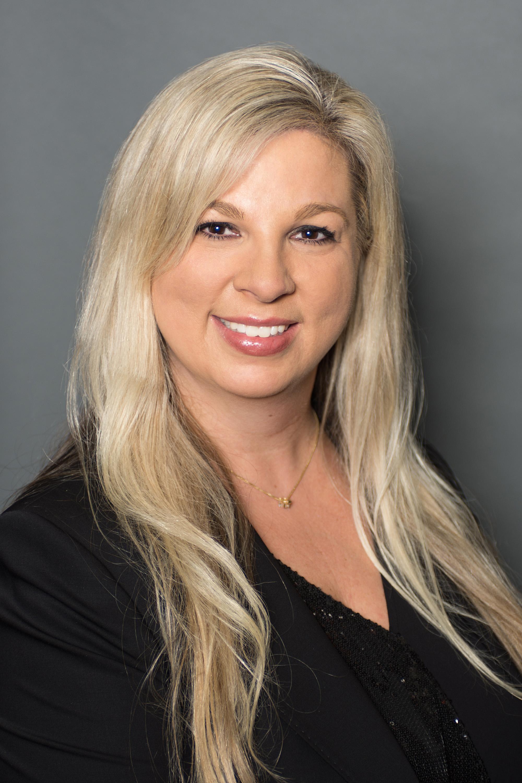 Stephanie Leet